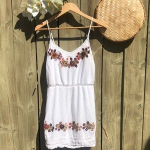 DEX / white flower embroidery/ summer dress!